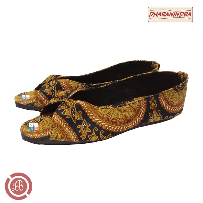 Flat Shoes Wanita Batik
